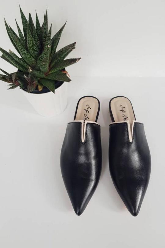 Handmade Leather V Pointed