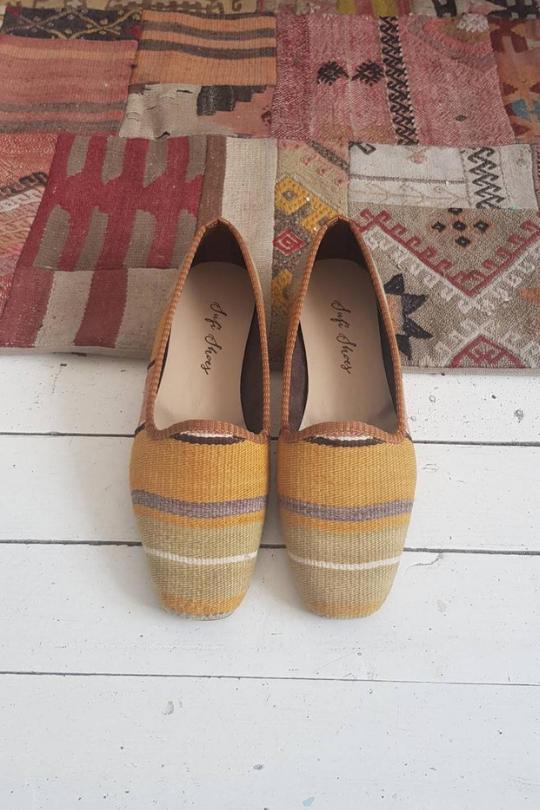 Handmade vintage Kilim shoes